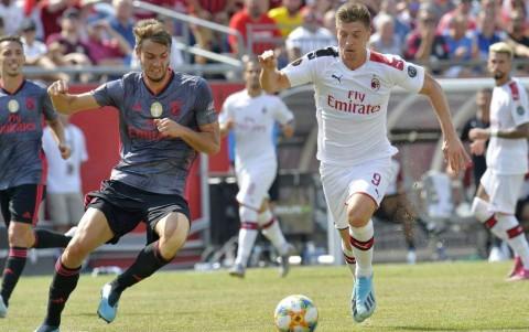 Ditundukkan Benfica, Tren Negatif Milan Berlanjut