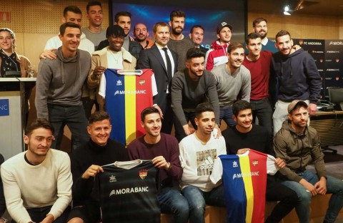 Klub Milik Bek Barca Naik Divisi Tiga Spanyol