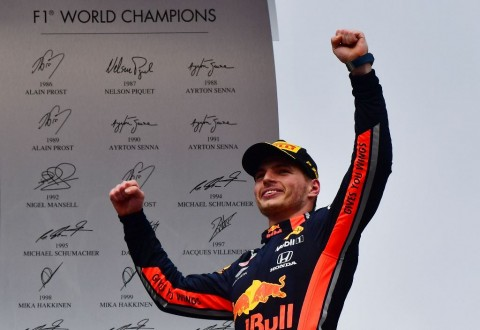 Max Verstappen Penasaran Kejar Duo Mercedes