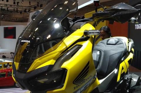 Tips Modifikasi Honda ADV150 ala Atenx Katros