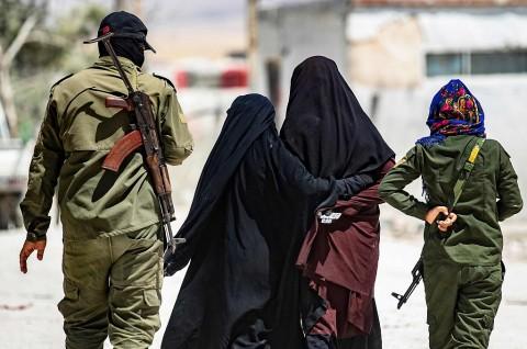 Militan Perempuan ISIS Diduga WNI Tewas di Kamp Suriah