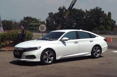 Sedan Premium Honda Tinggalkan Mesin Kapasitas Besar
