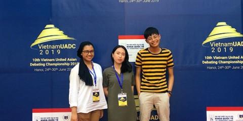 PEDS UNPAR Raih Juara 2 Lomba Debat Internasional di Vietnam