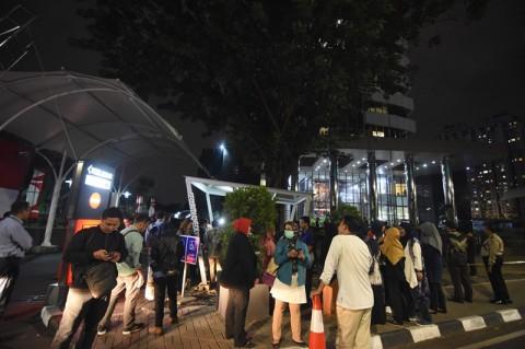 Warga Berkumpul di Kantor Gubernur dan Polda Lampung