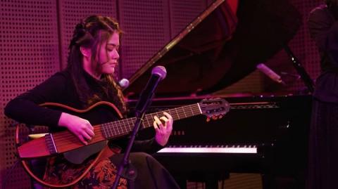 Terkenal Berkat Fingerstyle, Josephine Alexandra Ingin Kuasai Banyak Alat Musik
