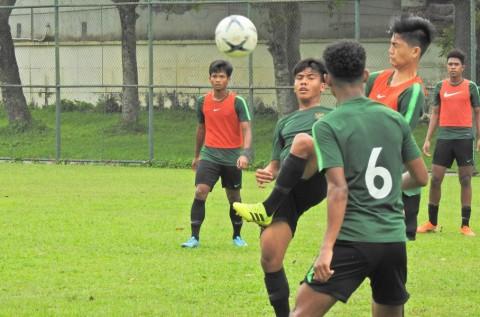 Hari Pertama Latihan, Fakhri Husaini Fokus Kembalikan Fisik Pemain Timnas U-18