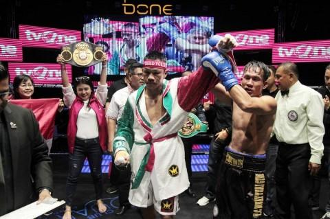 Daud Yordan Rebut Gelar WBC Usai Tumbangkan Petinju Thailand
