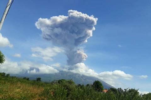 Ratusan Siswa Dilatih Menghadapi Erupsi Gunung Agung