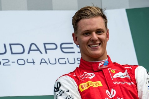 Mick Schumacher Raih Kemenangan Perdana di F2