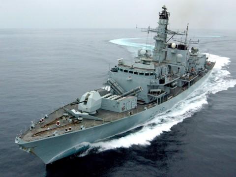 Inggris Gabung Militer AS Lindungi Kapal di Selat Hormuz