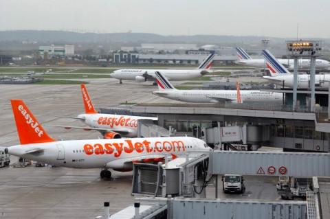 Penumpang Serang Awak Kabin, Penerbangan EasyJet Dialihkan