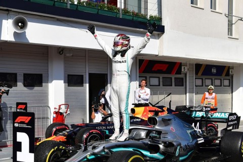 Hamilton Berharap Paruh Kedua F1 Lebih Menantang