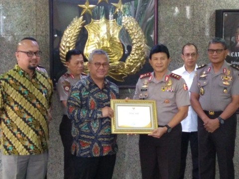 KPU Berikan Penghargaan kepada Polri Atas Pengamanan Pemilu