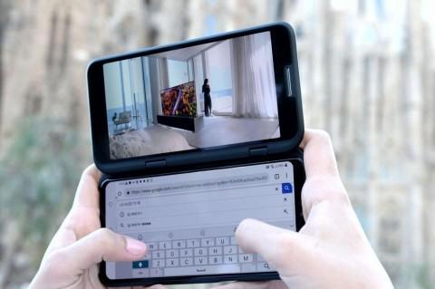 LG Unggah Teaser Ponsel Tiga Layar