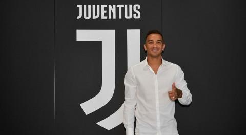 Juventus Daratkan Danilo