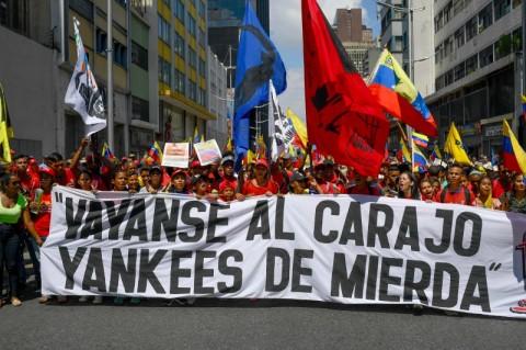 Pendukung Maduro Berdemo Lawan Sanksi AS