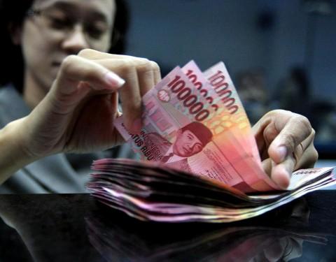 Rupiah Tumbang di Rp14.234/USD