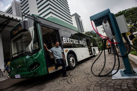 TransJakarta Harap Bus Listrik Segera <i>Mengaspal</i>