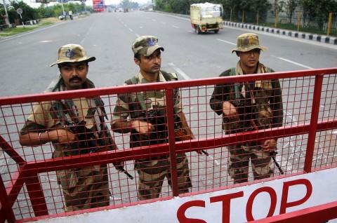 India Izinkan Muslim di Kashmir Tunaikan Salat Jumat