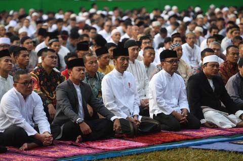 Jokowi Salat Iduladha di Kebun Raya Bogor