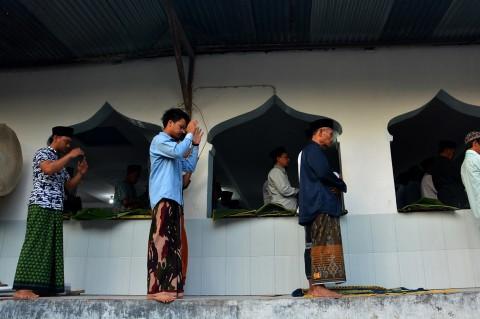 Jemaah Naqsabandiyah di Jombang Salat Iduladha Hari Ini