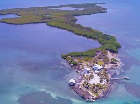 Pulau Beserta Isinya Dijual Rp7,1 Miliar, Anda Berminat?