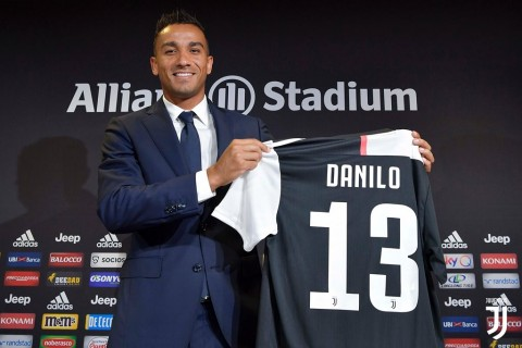Danilo Mengaku Dibujuk Alex Sandro Gabung Juventus