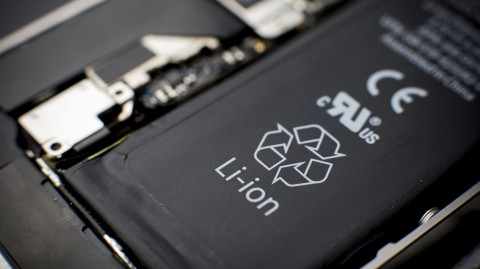 Smartphone Samsung Bakal Adopsi Baterai Grafena