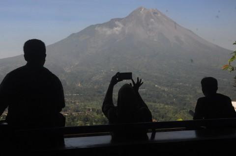 Awan Panas Gunung Merapi Meluncur 950 Meter