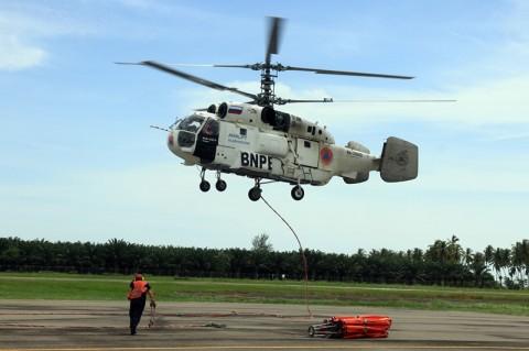 Helikopter BNPB Siram 500 Ton Air di Karhutla Aceh
