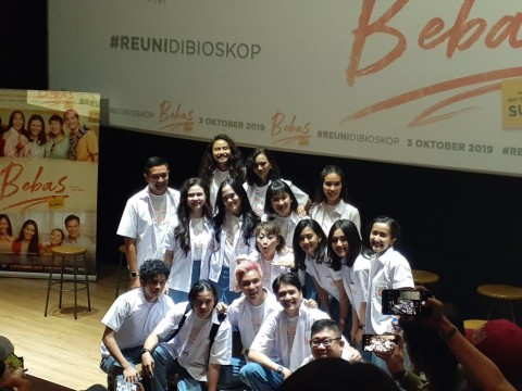 Film Bebas Buat Marsha Timothy Kangen Masa SMA