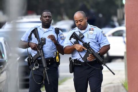 2 Polisi Diselamatkan dan 6 Terluka Dalam Baku Tembak di Philadelphia
