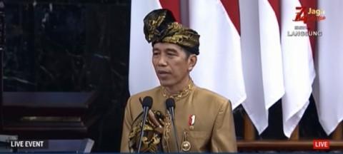 Jokowi Berapi-api Ingin Hapus Regulasi <i>Jadul</i>