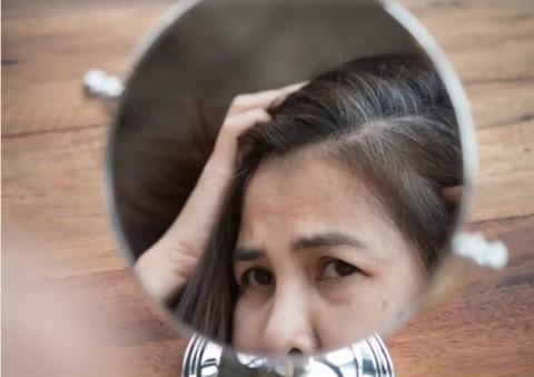 Penyebab Rambut Beruban dan Cara Mengatasinya