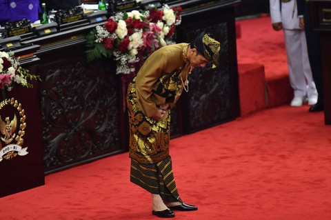 Jokowi Kenakan Pakaian Adat Sasak di Pidato Kedua