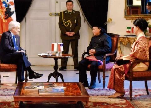 RI Ambassador Presents Credentials to Chile's Leader
