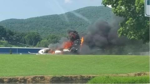 Pesawat Ditumpangi Mantan Pembalap Jatuh dan Terbakar
