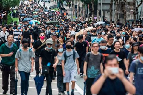 Demonstran Hong Kong Blokade Jalan Raya