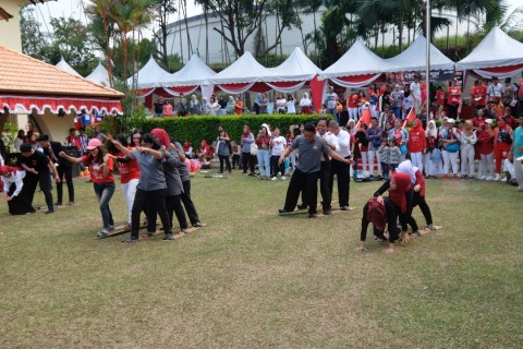 13 TKI Jadi Petugas Upacara di Johor Bahru