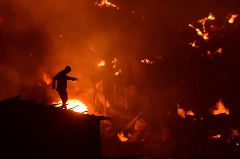Kebakaran Hanguskan Ribuan Rumah di Bangladesh