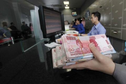 Rupiah Ditaksir Melemah ke Rp14.280/USD