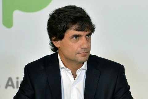Peso Anjlok ke Rekor Terendah, Menkeu Argentina Mundur
