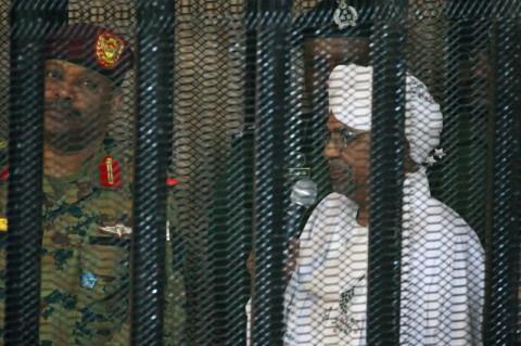 Mantan Presiden Sudan Terima Duit Rp1,2 T dari Arab Saudi