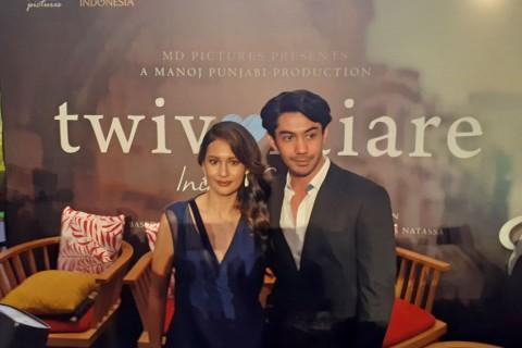 Reza Rahardian jadi Dokter dalam Film Twivortiare