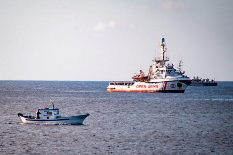 Spanyol Tawarkan 107 Imigran untuk Berlabuh