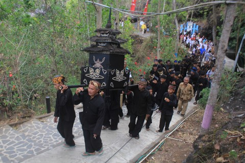 Tradisi Pesta Dadung, Wujud Keseimbangan Terhadap Alam