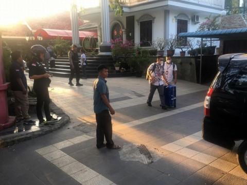 KPK Geledah Rumah Pengusaha Tambang Tanjungpinang
