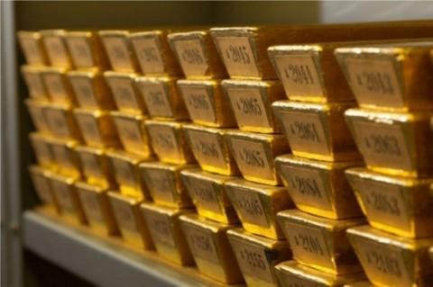 Harga Emas Dunia Tergelincir