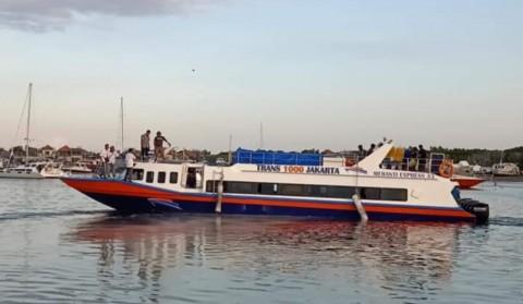 Kapal Cepat Trans 1000 Berlayar dari Kali Adem