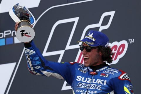 MotoGP Inggris, Alex Rins Salip Marquez di Tikungan Akhir